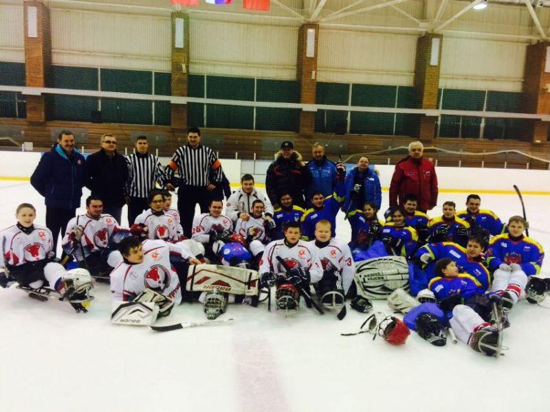 В г. Алексине на РУТБ «Ока» стартовал турнир по следж-хоккею среди спортсменов до 18 лет