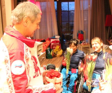П. А. Рожков поздравил спортсменок - членов сборной команды России на Играх - 2014  с Международным женским Днем - 8 марта