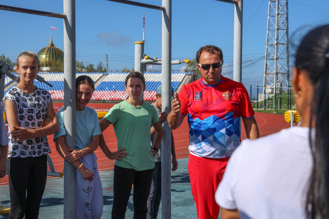 Старший тренер сборной России по горнолыжному спорту лиц с ПОДА А.В. Назаров  провел мастер-класс на Сахалине