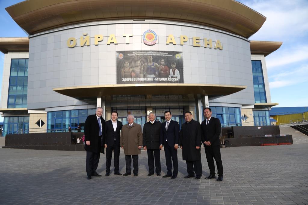 Руководители ПКР в г. Элисте (Республика Калмыкия) посетили спортивный комплекс «Ойрат Арена», где состоялись мастер-классы по футболу, дзюдо, легкой атлетике и плаванию, организованные ПКР