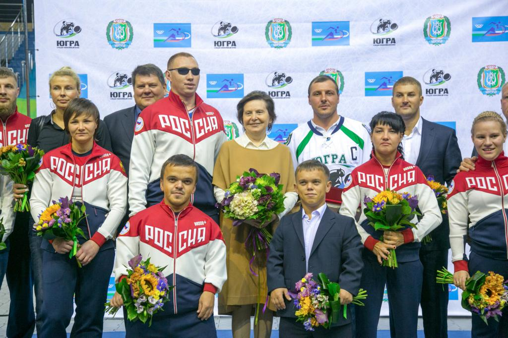 Губернатор ХМАО-Югры Н.В. Комарова встретилась с участниками Открытых Всероссийских спортивных соревнований по видам спорта, включенным в программу Паралимпийских летних игр