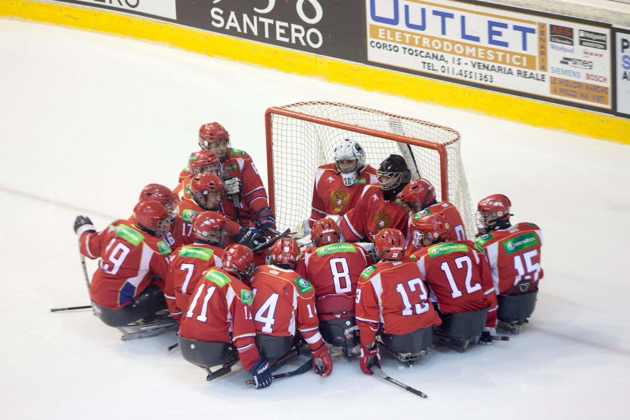 Сборная команда России по хоккею-следж выиграла 2 стартовых поединка на международных соревнованиях в Италии