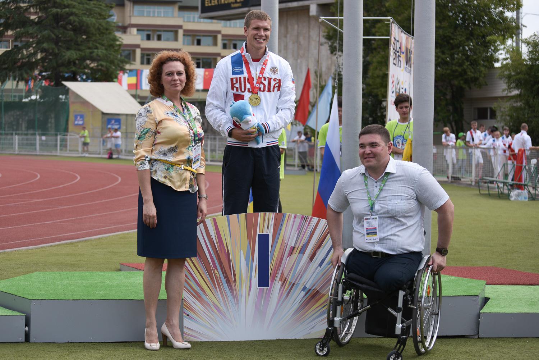 Спортсмены сборной России завоевали 26 золотых, 20 серебряных и 18 бронзовых медалей в третий день Всемирных игр IWAS-2015 в Сочи