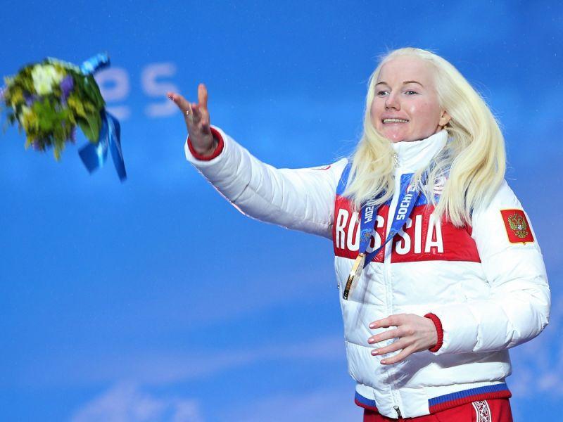 Поздравление президента ПКР В.П. Лукина 2-кратной чемпионке Паралимпийских игр по горнолыжному спорту среди лиц с нарушением зрения А.В. Францевой в связи с Юбилеем