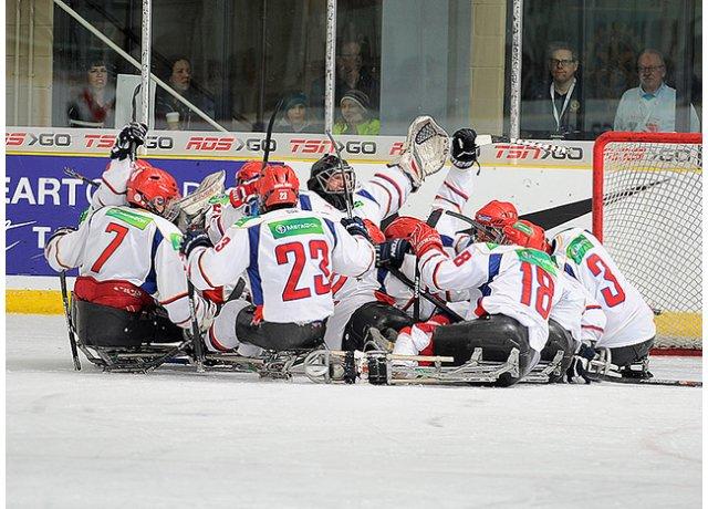 Сборная команда России по хоккею-следж вышла в финал международного турнира «World Sledge Hockey Challenge-2015» в Канаде
