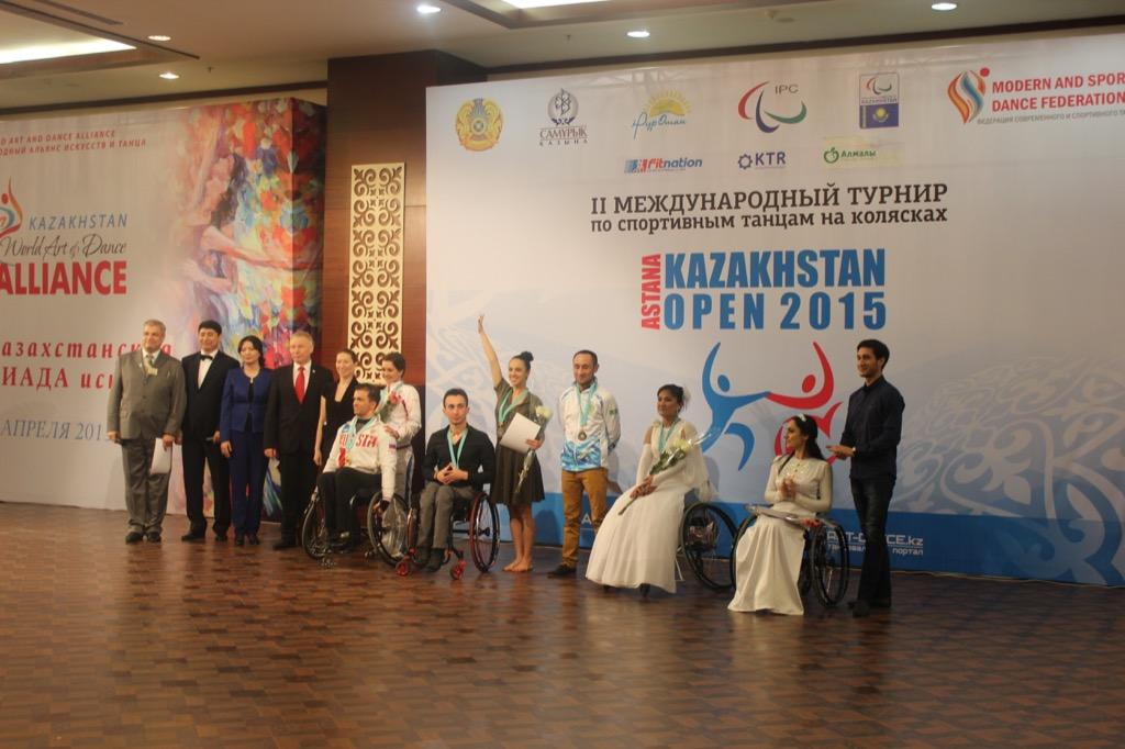Члены сборной команды России по танцам на колясках завоевали 5 золотых наград в официальных соревнованиях Международного паралимпийского комитета по танцам на колясках в г. Астане (Казахстан)