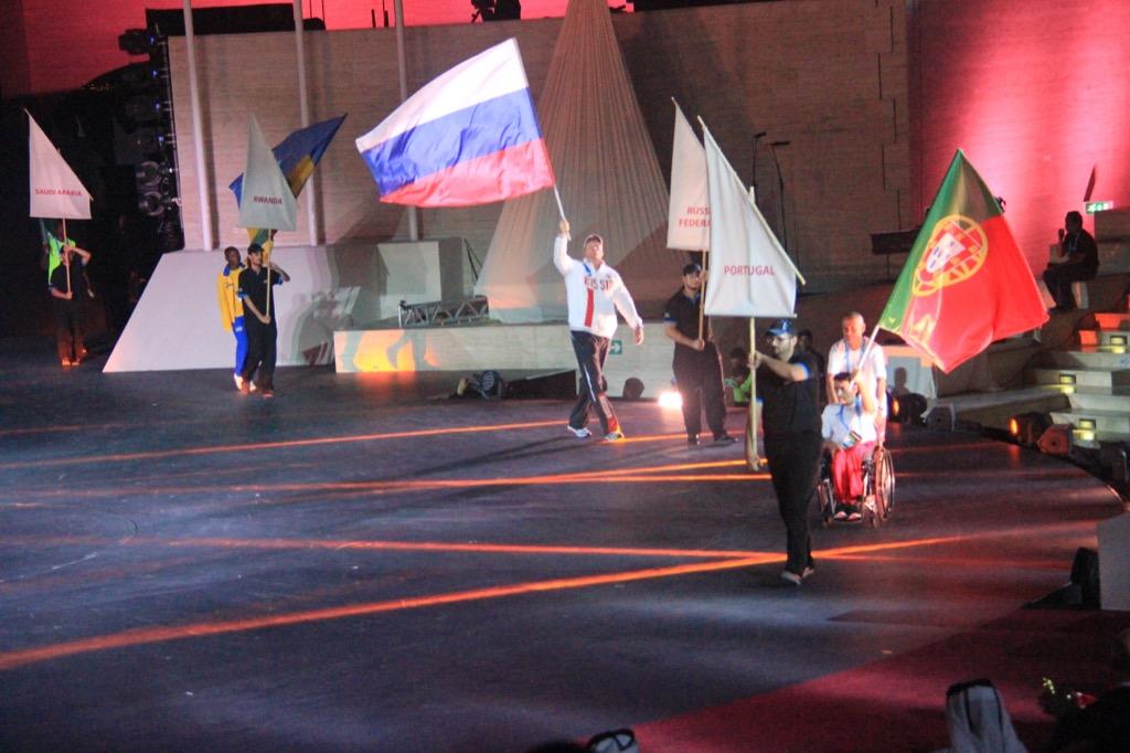 Чемпионат мира IPC по легкой атлетике торжественно открыт в Катаре. Знаменосцем от российской сборной стал Алексей Ашапатов