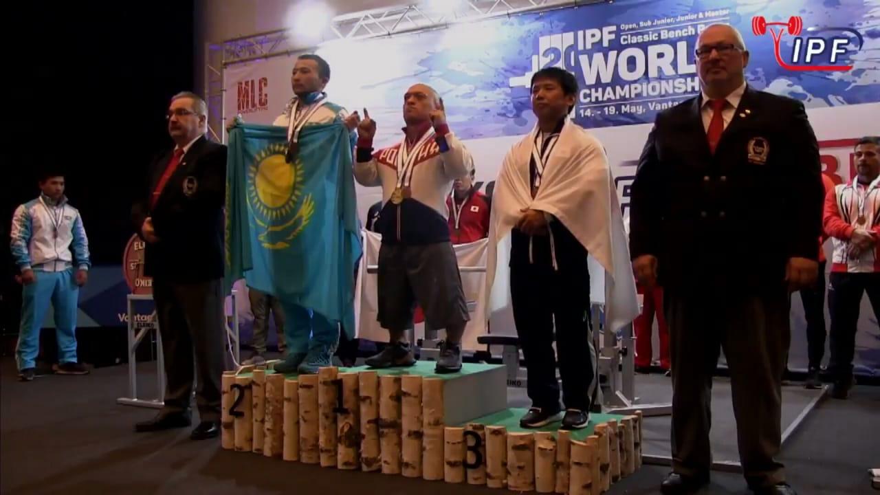 Серебряный призер Паралимпийских игр Владимир Балынец установил новый мировой рекорд и стал победителем чемпионата мира по классическому жиму среди здоровых спортсменов
