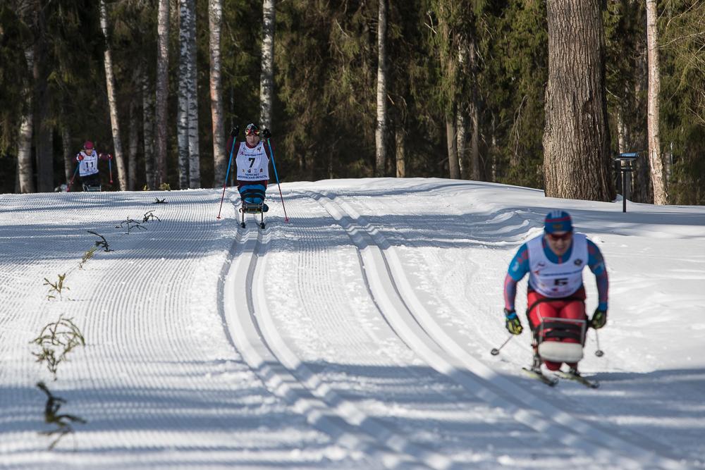 Биатлонист Лекомцев завоевал золото наВсероссийских соревнованиях для паралимпийцев