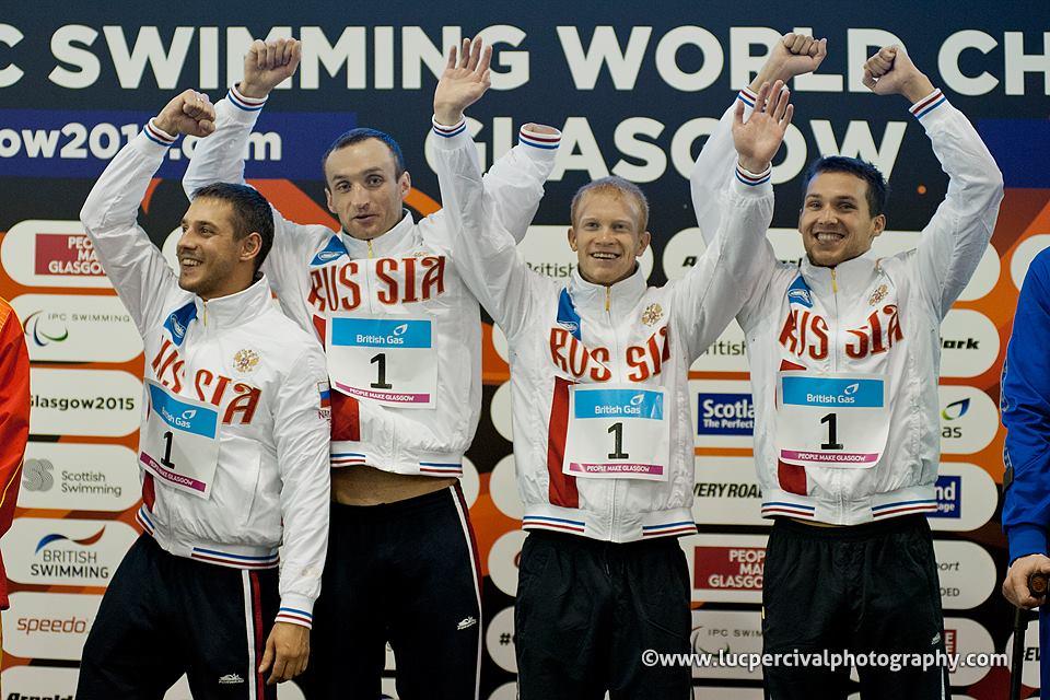 Сборная команда России впервые в истории паралимпийского плавания заняла 1 общекомандное место на чемпионате мира МПК по плаванию в шотландском Глазго, завоевав в финальный соревновательный день 8 золотых, 4 серебряные и 4 бронзовые медали