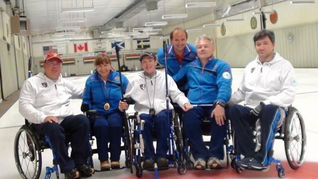Сборная команда России по керлингу на колясках принимает участие в международных соревнованиях в США