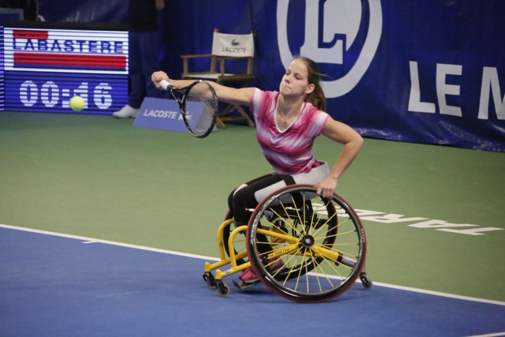 Сборная команда России по теннису на колясках принимает участие в международных соревнованиях во Франции