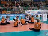 Сборные команды России по волейболу сидя продолжают свое выступление на чемпионате мира в Польше